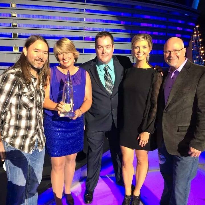 WQDR Personalities and Staff with teh 2014 CMA Award Trophy